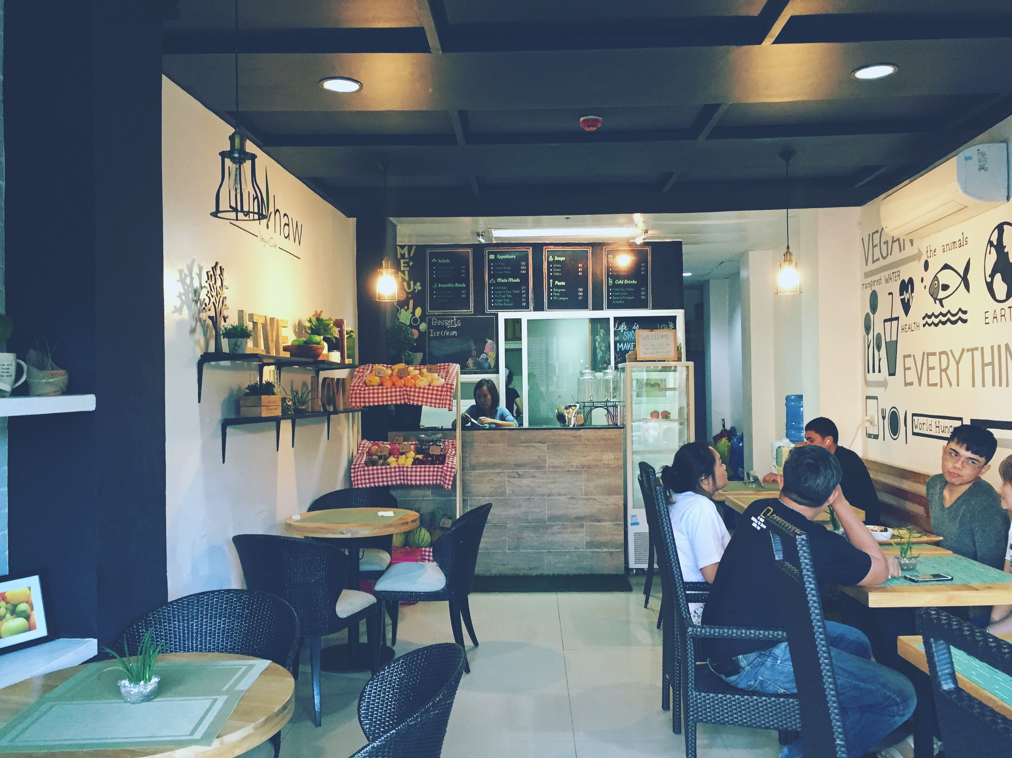 Lun haw Vegan Cafe店内