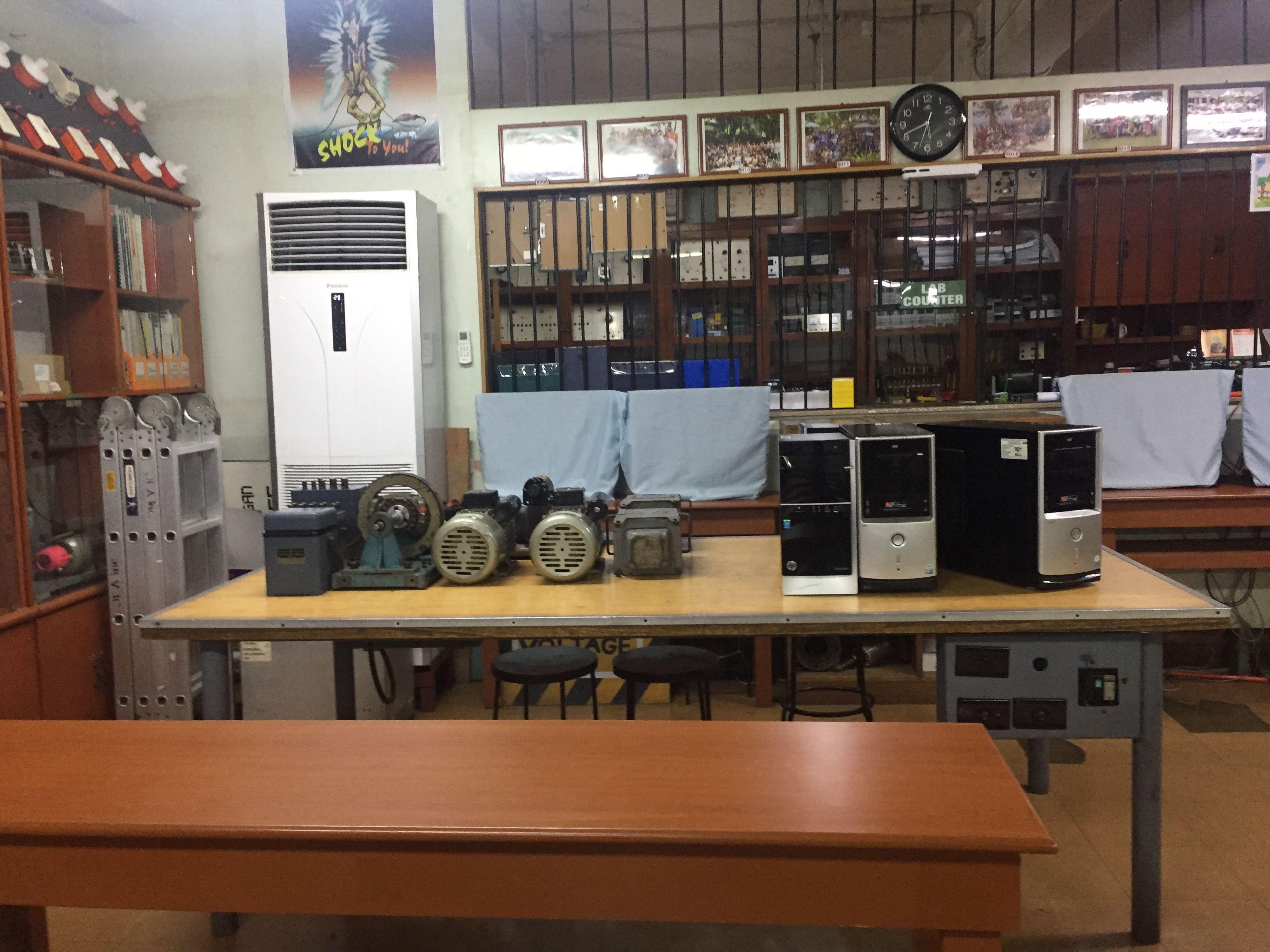 サンホセ大学の円エンジニアの教室