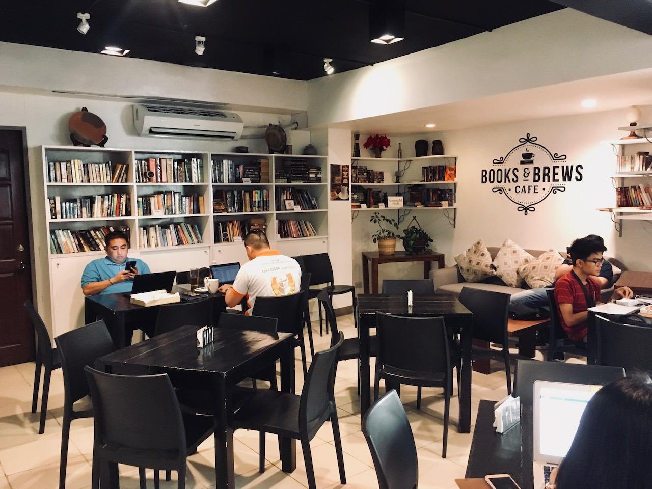 本屋カフェ