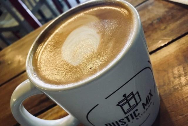 Hot Cafe Latte(110ペソ)